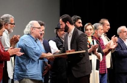 در مراسم افتتاحیه فیلم سینمایی «هیهات» اتفاق افتاد؛ تجلیل هنرمندان از خانواده «حبیب سپاه»